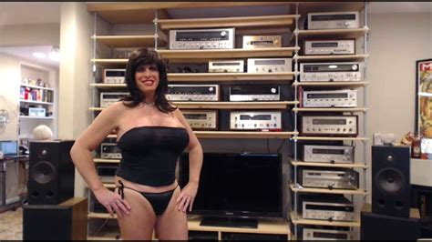 """How the Sexy Rosie Girl Built the Amazing """"Wall of Sound"""
