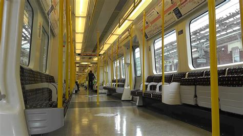 Hammersmith & City Line S7 stock 21306 in Service - YouTube