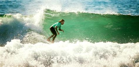 Surf Camp Ericeira - Surfing in Portugal