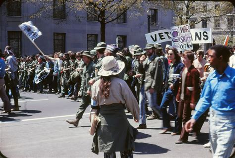Why the Hippie Movement Declined